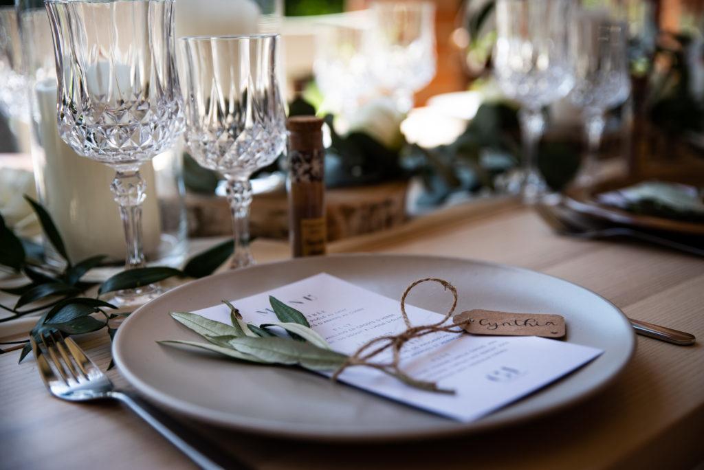 shooting d'inspiration mariage homme décoration de table papetrie menu wedding planner nantes revadeux