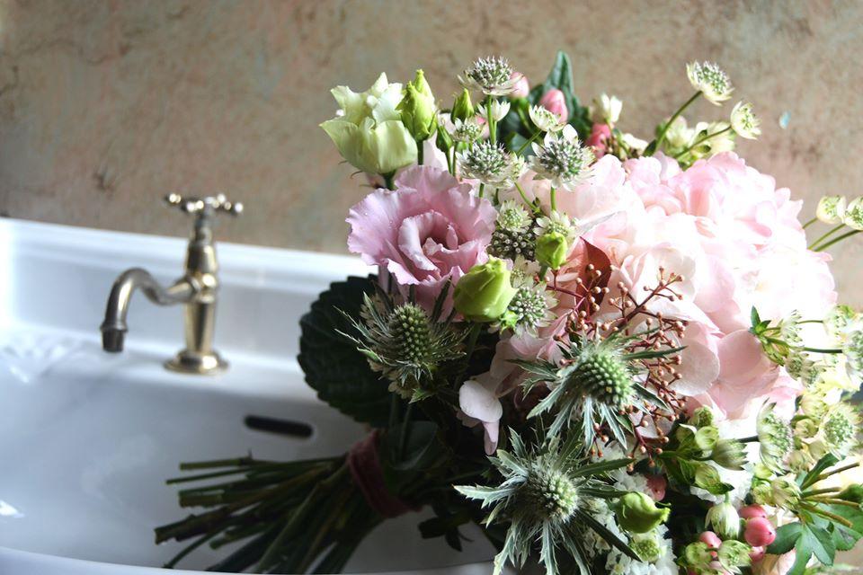 bouquet de la mariée rose. R'eva deux wedding planner nantes